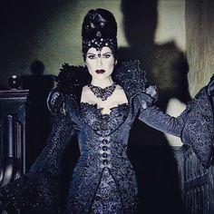 Amazing new Lana pic #EvilQueen