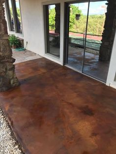 Concrete Patio Makeovers Now is the time to plan for fixing up that unattractive patio. Concrete Patio Designs, Concrete Porch, Cement Patio, Painted Concrete Patios, Acid Stained Concrete Patio, Backyard Patio, Backyard Landscaping, Backyard Ideas, Patio Roof