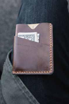 Front pocket cardholder, handmade from driftwood chromexcel leather. Awesome picture by @philipplitvin on Instagram