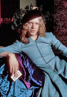 David Bowie in dresses - Retronaut