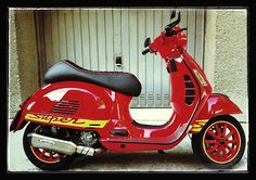 Vespa Ape, New Vespa, Piaggio Vespa, Lambretta Scooter, Scooter Motorcycle, Vespa Scooters, Classic Vespa, Classic Bikes, Vespa Gts 125