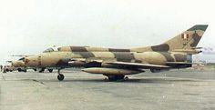 aviones cazabombarderos Sukhoi 22 supersónico