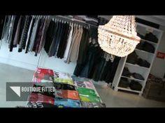 Nous avons toutes les grandes marques pour les hommes et les femmes, pour compléter chaque style. Venez jetter un coup d'oeil à l'intérieur de notre boutique. Que ce soit pour magasiner, ou simplement vous détendre dans le salon, la Boutique FITTED s'adapte à tous vos besoins.