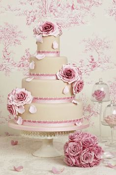 Lovely pink wedding cake