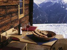 Auch die Romantik kommt bei einem Almurlaub in Tirol nicht zu kurz. Genießen Sie die traute Zweisamkeit auf der Berghütte (nat)Ur Hütta im Ötztal in Tirol.