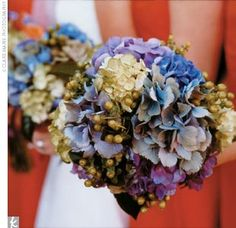 love the blue flowers and having the lavender ones in there too since that's my fav color