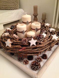 En attendant Noël Christmas Advent Wreath, Christmas Room, Christmas Crafts, Yule Decorations, Christmas Centerpieces, Christmas Decorations, Woodland Christmas, Handmade Christmas, Classy Christmas
