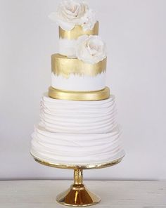 Gold, white and ruffles ♥