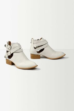 Cutout Ankle Booties   Anthropologie.eu