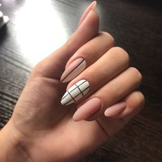 In seek out some nail designs and ideas for your nails? Here's our set of must-try coffin acrylic nails for modern women. Aycrlic Nails, Matte Nails, Manicures, Coffin Nails, Glitter Nails, Acrylic Nails Natural, Best Acrylic Nails, Fire Nails, Dream Nails