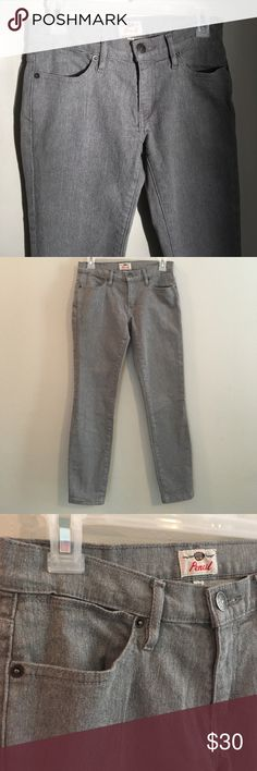 "Fossil Pencil Fitted Cropped Ankle Denim Jeans A super thick pair of Fossil jeans in a versatile gray with a straight pencil fit. Unsure why they stopped making denim since these are thick with lifetime capability! Inseam 27"" Fossil Jeans Straight Leg"