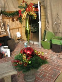 Outdoor Christmas Planter Decorations I Like This Minus The Stuff Above Red Ball