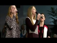 The Collingsworth Family - Holidays Medley Accappella - YouTube