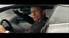 Quantum-of-Solace-James-Bond-Daniel-Craig-car-chase-gun.png 853×480 pixels