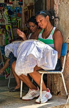 Needlepoint . Cuba