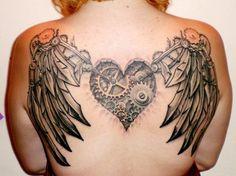 Federn Flügel Rücken Herz Steampunk Tattoo