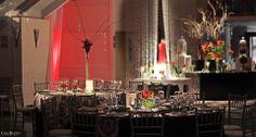 Para esta temporada otoño/invierno de #matrimonios te tenemos una muy buena noticia, en #CasaBlanca tenemos importantes descuentos en arriendo de salón! Con nosotros te aseguras de que vas a tener una celebración perfecta, con una oferta gastronómica deliciosa, en un lugar cálido y armónicamente  ambientado! Según como sea la fiesta de tus sueños!   Contáctanos! ✉ info@cbeventos.cl ☏ 72- 2955225   Casa Blanca Centro De Eventos www.cbeventos.cl