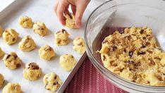 Kopar At Oldu Bitti Perşian Kurabiye Tarifi | Enfes Tarifler Feel Good, Cereal, Oatmeal, Bakery, Cooking Recipes, Pudding, Make It Yourself, Cookies, Breakfast