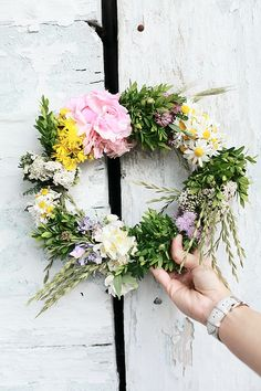 gorgeous wreath Jolie Fleur, Le Jolie, Fresh Flowers, Pretty Flowers, My Flower, Flower Crown, Fresh Wreath, Diy Wreath, Wreaths