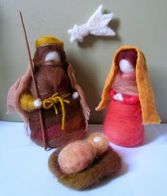 Muñecos de Vellón: Pesebres de Fieltro Christmas Nativity, Felt Christmas, Christmas Time, Christmas Crafts, Christmas Ornaments, Felt Embroidery, Nature Table, Silent Night, Sacred Art