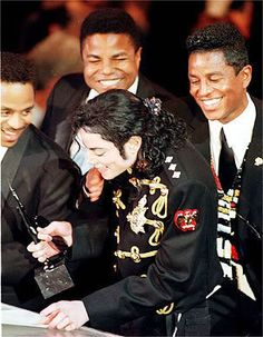Prince And MJ Photo:  This Photo was uploaded by foto1996. Find other Prince And MJ pictures and photos or upload your own with Photobucket free image an...