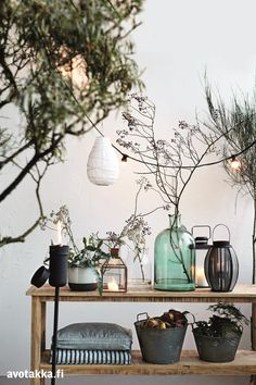 Great styling by House Doctor Garden Deco, Balcony Garden, House Doctor, Vintage Lamps, Vintage Home Decor, Vintage Industrial, Estilo Tropical, Deco Nature, Interior And Exterior