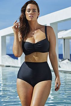 curveappeal:Laura Wells for Swimsuits for All 40 inch bust, 31 inch waist, 42 inch hips Noir Underwire Bikini French Riviera Zip Front Bikini Jet Black Halter High Waist Bikini at Swimsuits for All (via curveappeal affiliates)Swim Sexy Noir Underwire Plus Size Bikini Bottoms, Women's Plus Size Swimwear, Curvy Swimwear, Trendy Swimwear, Swimsuits, Plus Size High Waisted Bikinis, Laura Wells, Jolie Lingerie, Red Swimsuit