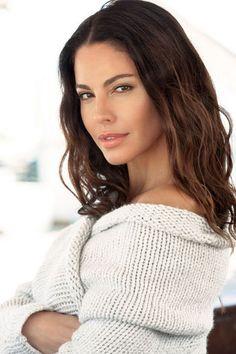 Aldara Models, Model Agency, Turtle Neck, Long Hair Styles, Beauty, Women, Fashion, Kids Wagon, Templates