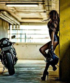 Motorbike Girl, Motorcycle Style, Biker Chick, Biker Girl, Biker Photoshoot, Motard Sexy, Motorcycle Photography, Motocross Bikes, Street Bikes