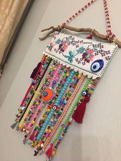Crocheted toran in bright, happy colors, valance, boho decoration, window decoration door craftsbymischa op Etsy Crochet Wall Hangings, Felt Roses, Beaded Curtains, Diy Hanging, Crochet Home, Diy Crafts To Sell, Handmade Art, Boho Decor, Diy Art