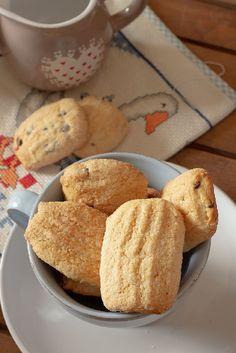 Biscotti al latte da inzuppare senza uova | Quella lucina nella cucina My Recipes, Latte, Cheese, Mamma, Cookies, Breakfast, Oven, Diet, Lavender