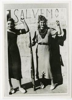 Miliciana anarquista durante la guerra civil española.