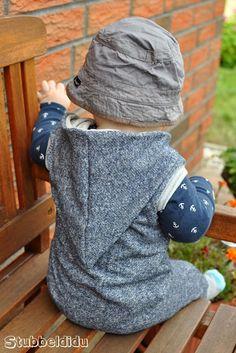 Bequemer Overall nach dem Schnitt von #Klimperklein in Größe 80. Genäht von #Stubbeldidu  #nähenfürkinderisttoll #babyboy #outfit #baby #boy #little #cool #style #styling