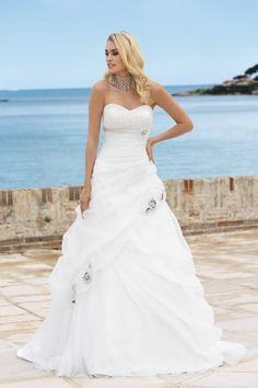 Ladybird bruidsjurk 34064 collectie 2014 – wedding dress - Xsasa bruidsmode