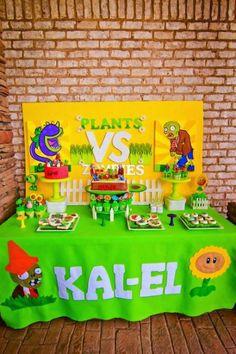 Plants- vs- Zombies-themed- birthday