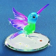 Here's a beautiful little hummingbird that's ready for Spring!