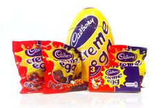 CREAM EGG JAR: The Creme Egg Season is upon us and this Giant Creme Egg Ceramic Jar contains 3 bags of Cadburys Creme Egg miniatures and a box of 3 Creme Eggs - This is the perfect gift for anyone who is obsessed with Cadbury's Creme Eggs. - Something to store all your creme eggs inside - How will you eat yours??    Includes personalised gift card - featuring your own personal message