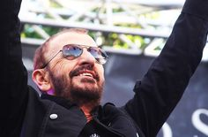 BEATLES  MAGAZINE: RINGO AND HIS ALL STARR BAND PERFORM IN HOLLYWOOD
