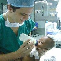 O alagoano Davi Freitas Tenório, acadêmico de medicina da Santa Casa de Maceió, acaba de retornar da República Dominicana onde participou de uma missão patrocinada pela International Children Heart Foundation.