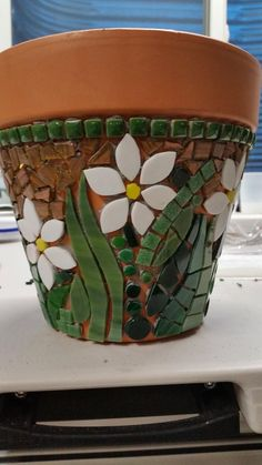 17 best ideas about Mosaic Pots Mosaic Planters, Mosaic Garden Art, Mosaic Vase, Mosaic Tile Art, Mosaic Flower Pots, Mosaic Artwork, Painted Flower Pots, Mosaic Crafts, Mosaic Projects
