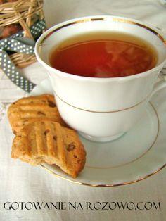 Kruche ciastka z masłem fistaszkowym i kawałkami czekolady.  www.gotowanie-na-rozowo.com