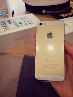 iphone 5s gold #luxury My new phone should be here soon, can't wait love apple/mac everything