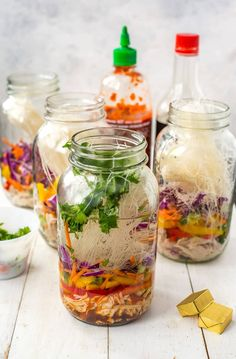 These Mason Jar Instant Noodle Soups are the perfect on-the-go work lunch and packed full of raw veggies, quick-cook vermicelli noodles & shredded chicken!