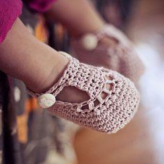 Ravelry: Charlotte Booties pattern by Mon Petit Violon