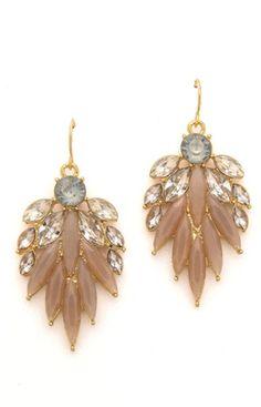 sweet petal earrings http://rstyle.me/n/jjjzrr9te