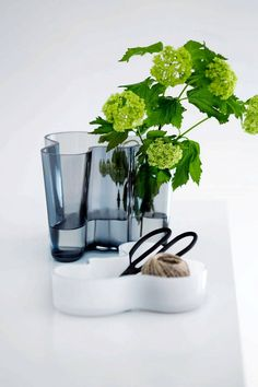 2016 will be a year of celebration for Iittala and the Alvar Aalto Collection 80 years Anniversary. In Alvar Aalto created his classic series of glass vases. The Alvar Aalto Collection has be… Alvar Aalto, Diy Interior, Modern Interior, Interior Design, Luxury Furniture, Modern Furniture, Bowls, Traditional Decor, Scandinavian Design