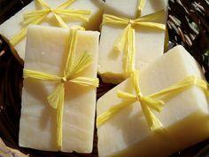 Handmade Soap: Simple Lemon-Thyme Clear Soap
