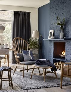 The beauty of dark interiors is that they can be adapted to work with any style. Yes, even Scandi can be taken over to the dark side. #livingroom #darkinteriors #scandi #realhomes