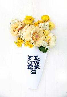 set up like a flower shop Hydrangea, Floral Wedding, Wedding Flowers, Magnolia, Branding, Arte Floral, My Flower, Flower Wrap, Flowers Nature