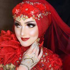 Middle Eastern Makeup, Make Up Pengantin, Bridal Hijab, Turbans, Muslim Women, Wedding Looks, Bandanas, Beautiful Children, Bridal Makeup